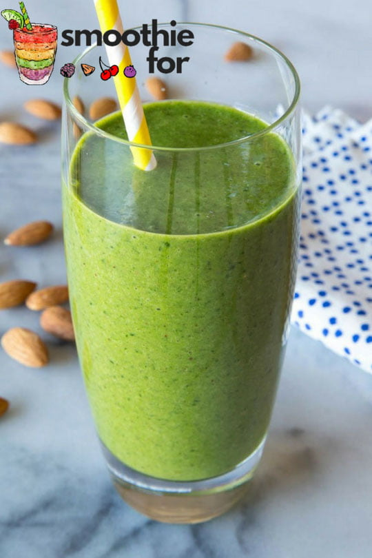 green smoothie for detox and includes antioxidants